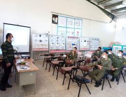 آغاز دوره سیم کشی و عیب یابی مدارات پایه برق ساختمان برای سربازان وظیفه نیروی انتظامی