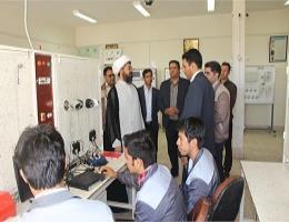 بازدید امام جمعه شهرستان تربت جام از کارگاههای آموزشی مرکز آموزش فنی و حرفه ای تربت جام