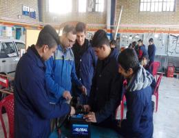 بازید دانش آموزان مدرسه فرهنگیان از مرکزآموزش فنی وحرفه ای سبزوار