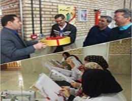 بازدید مدیر روابط عمومی سازمان آموزش فنی و حرفهای از کارگاه سوزن دوزی مینیاتوری استاد قصابان در مرکز آموزش فنی و حرفه ای شماره 2 مشهد