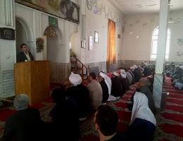 سخنرانی رئیس مرکز آموزش فنی و حرفه ای تایباد در بین خطبه های نماز جمعه دهستان کرات