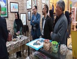 بازدید از نمایشگاه صنایع دستی به همراه ریاست اداره کار و میراث فرهنگی